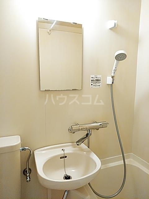 コナビック西塚 Ⅱ 2F号室の洗面所