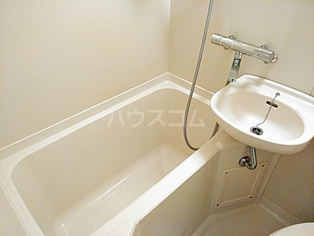 コナビック西塚 Ⅱ 2G号室の風呂