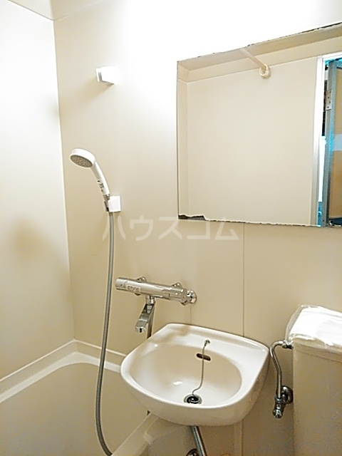 コナビック西塚 Ⅱ 2G号室の洗面所