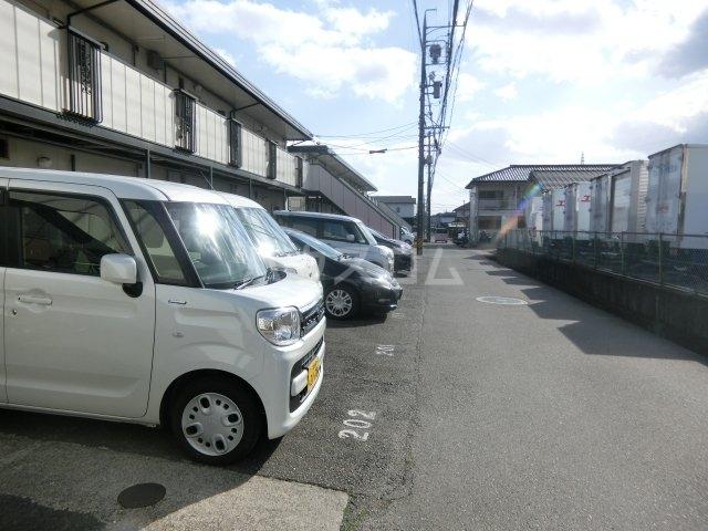 フォーブル錦 B108号室の駐車場