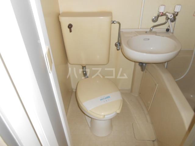 メゾン・アイリスⅡ 110号室のトイレ