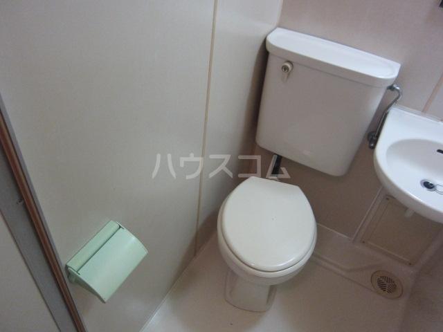 サンシャイン尾頭橋 802号室のトイレ