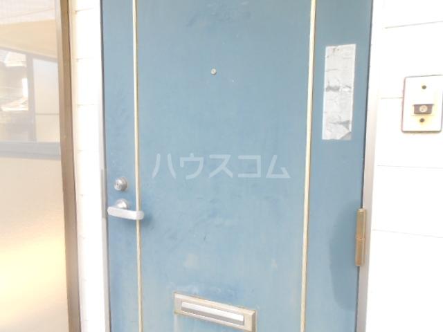 テラスハウス小川の玄関
