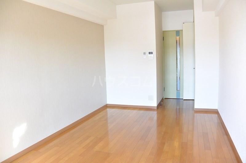リヴェール33 503号室のリビング