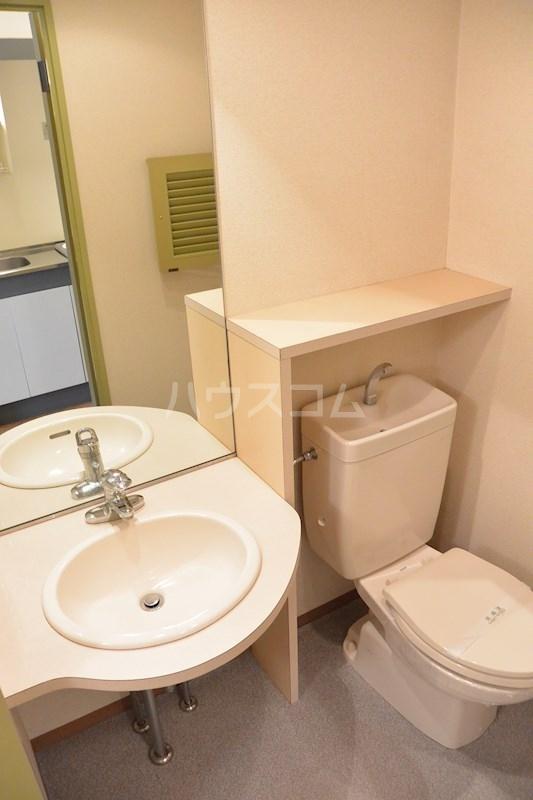 リヴェール33 503号室のトイレ