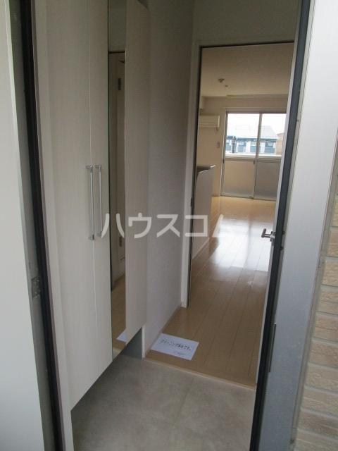 プロムナードⅠ 205号室の玄関
