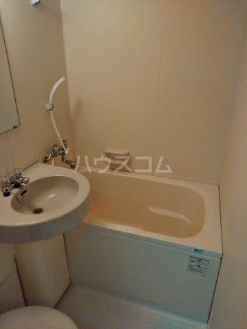 REO'S国場 2-D号室の風呂