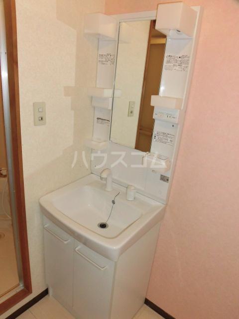 ブランシェ大井手 4C号室の洗面所