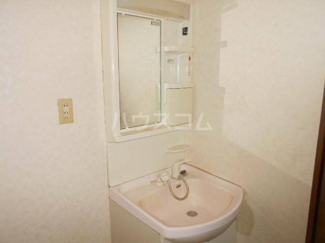 ル・モンド 101号室の洗面所