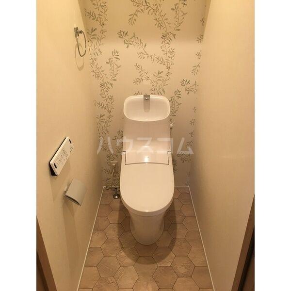 グランルーチェA 102号室のトイレ