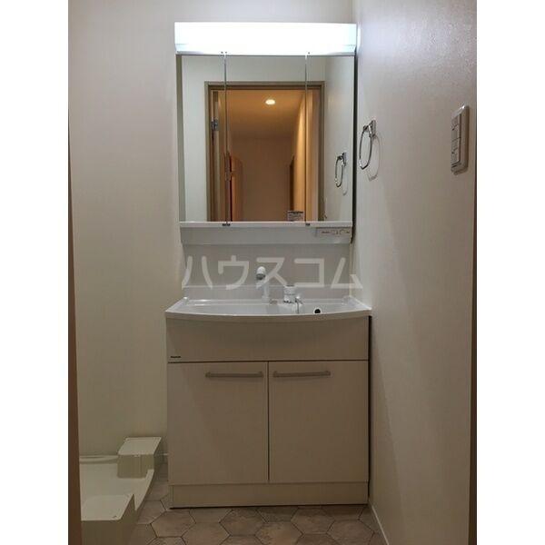 グランルーチェA 102号室の洗面所