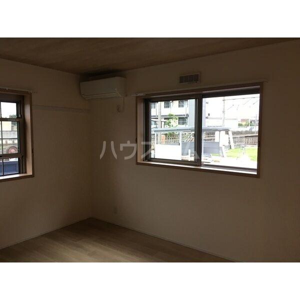 グランルーチェA 102号室の居室