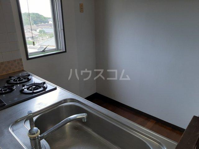 グランデ・ニューカースル銚子明神町 401号室のキッチン