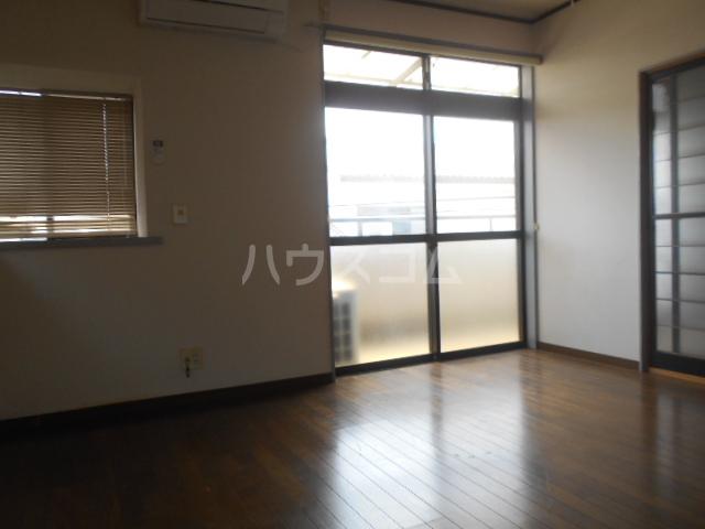 木村ハイツA 202号室のリビング