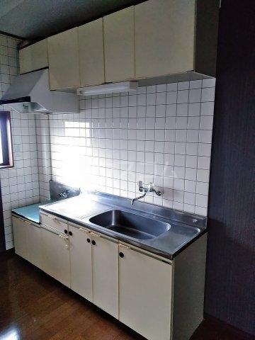 ジーズ プレイス 203号室のキッチン