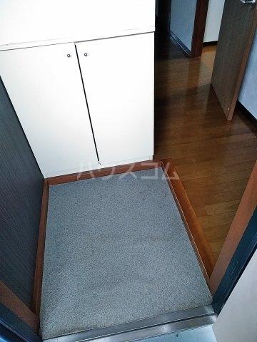 ジーズ プレイス 203号室の居室