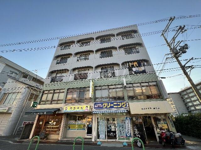 関山ビル外観写真