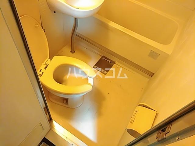 プランドール茨木 305号室のトイレ