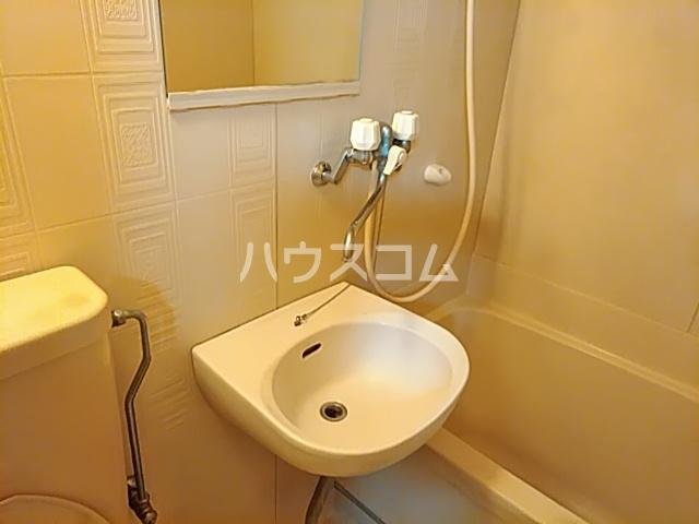 プランドール茨木 305号室の洗面所