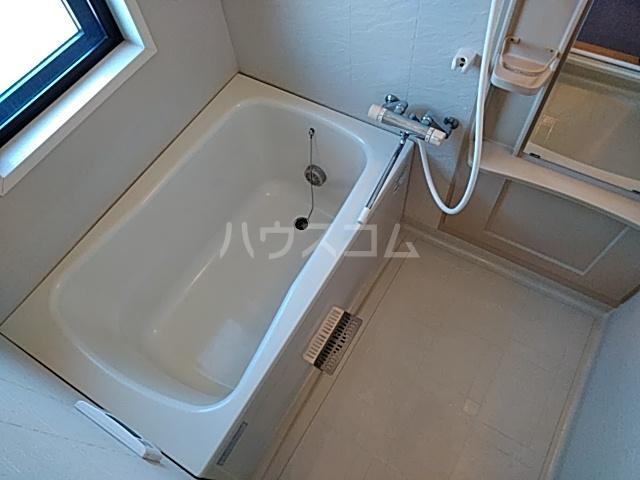 ベルフォレスト 302号室の風呂