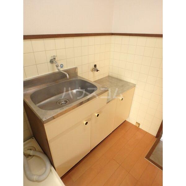 メゾン三宅 202号室のキッチン