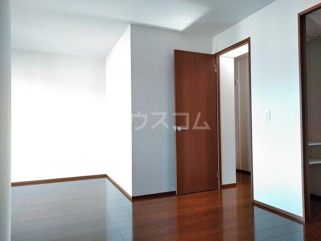 ファセリア B 202号室のベッドルーム