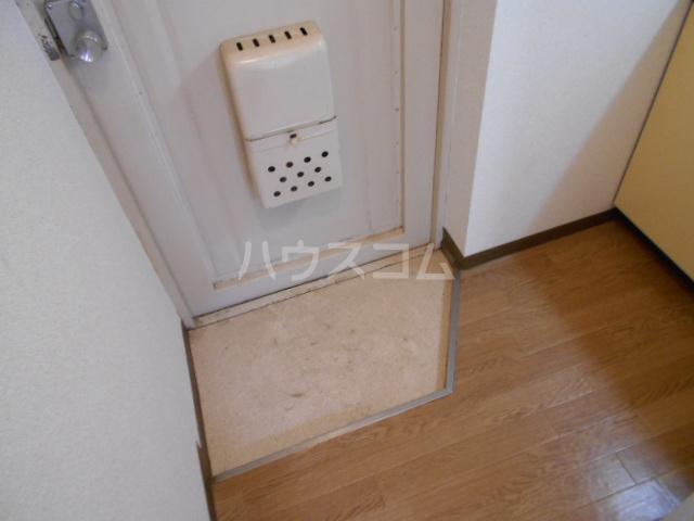 東菱八幡町マンション 501号室の玄関