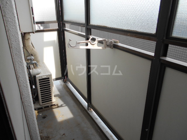 東菱八幡町マンション 501号室のバルコニー