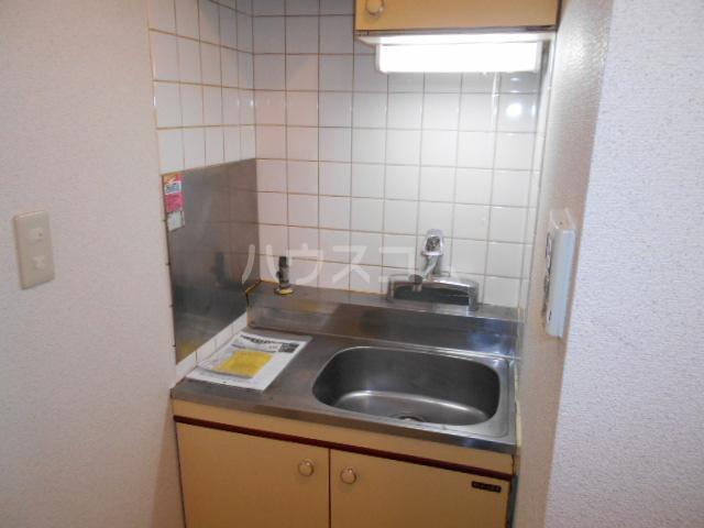 東菱八幡町マンション 501号室のキッチン