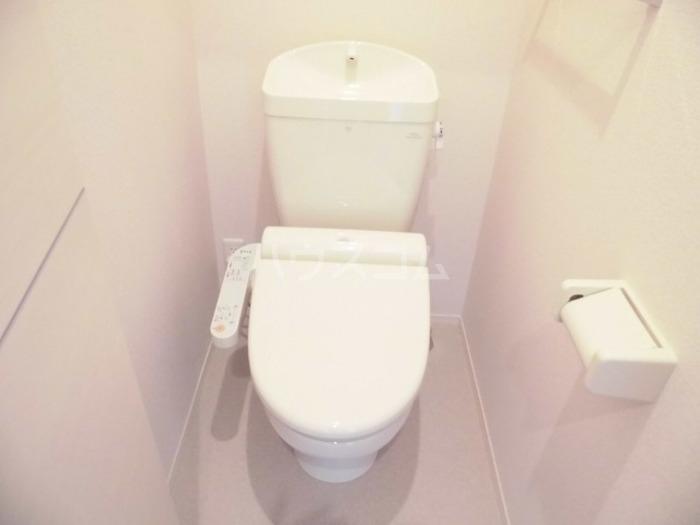 パークドオートム D 105号室のトイレ