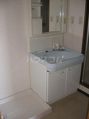 シャルマン 102号室の洗面所