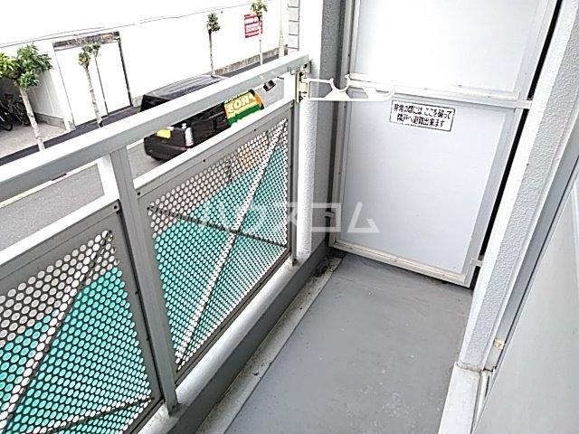 ピュアメゾン 2-E号室のバルコニー
