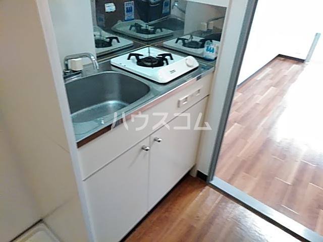 ピュアメゾン 2-E号室のキッチン