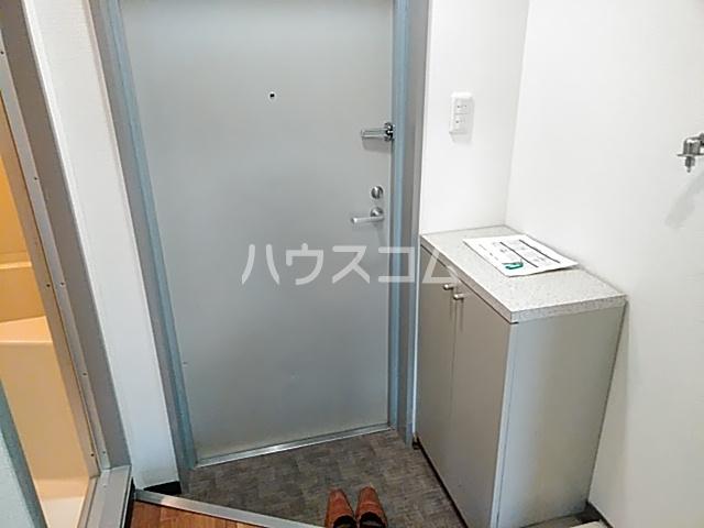 ピュアメゾン 2-E号室の玄関