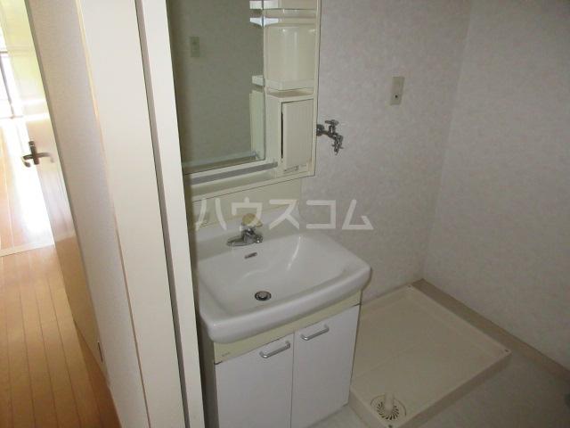 水戸イーストマンション 303号室の洗面所