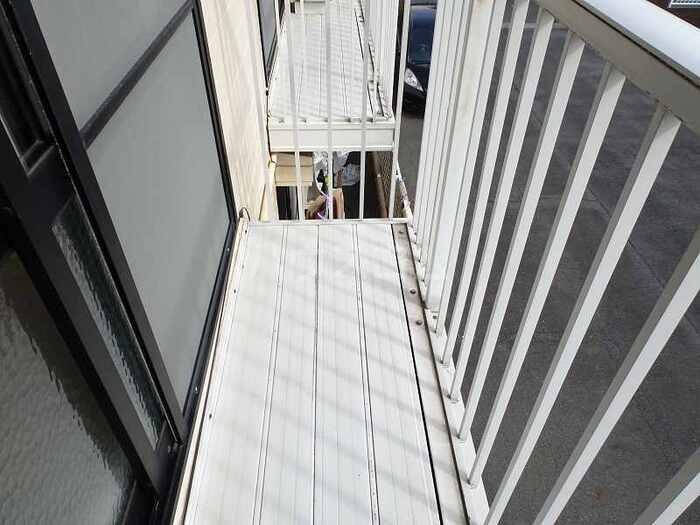 ローズヒルズマミ 205号室のバルコニー
