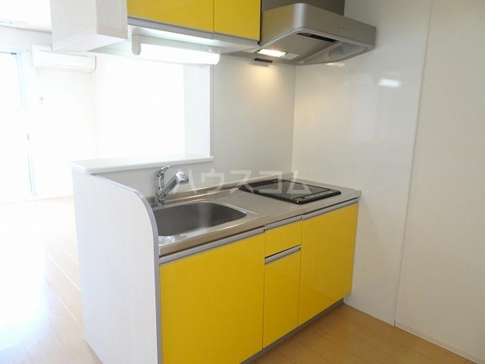 メゾン グラフォートB 101号室のキッチン