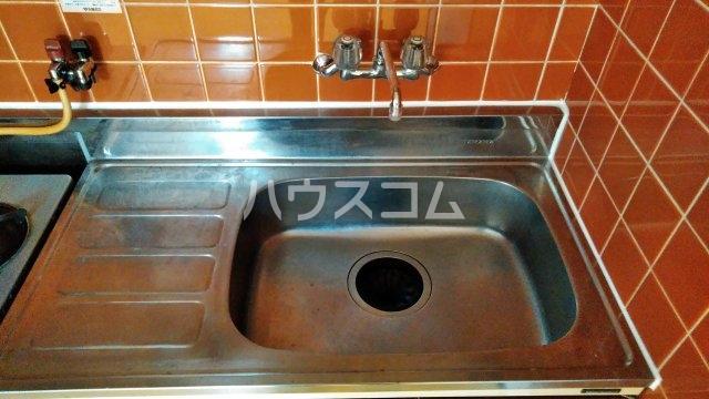 ニューライン中桜塚 305号室のキッチン
