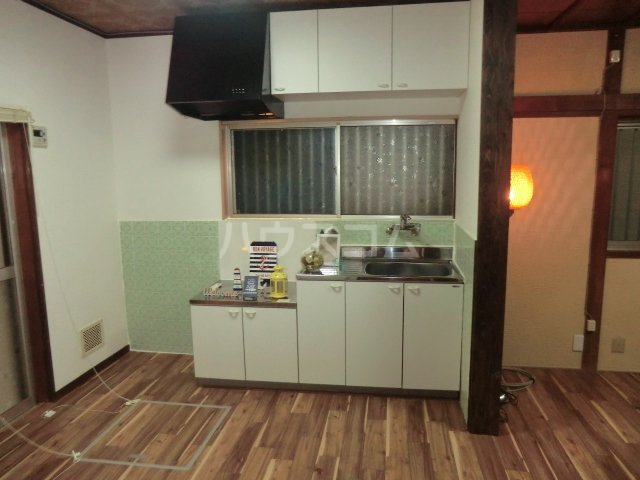 千代田戸建のキッチン