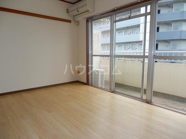 久里ハイツ 303号室の景色