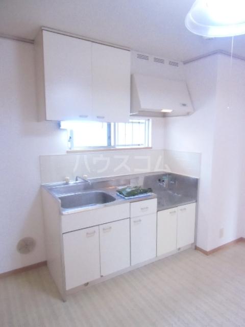 ヴィラウェルストーン 306号室のキッチン