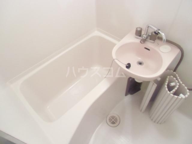 ヴィラウェルストーン 306号室の風呂