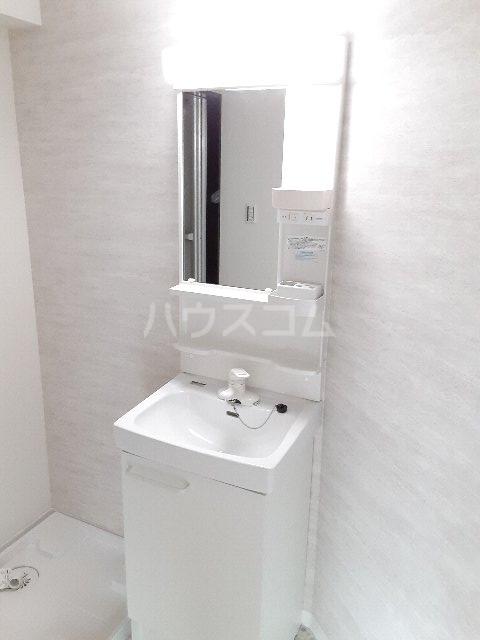 エバーグリーン嵐山 201号室の洗面所
