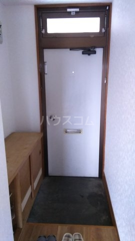 ハイツ若松 201号室の玄関