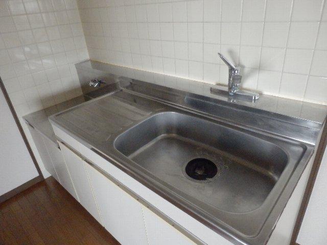 プロビデンス日比野 2D号室のキッチン