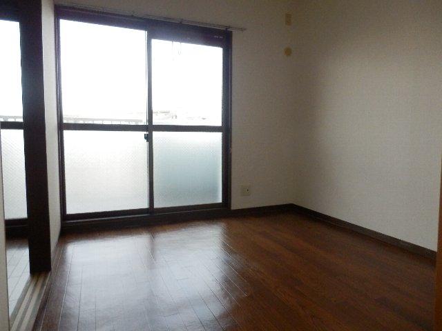 プロビデンス日比野 2D号室の居室