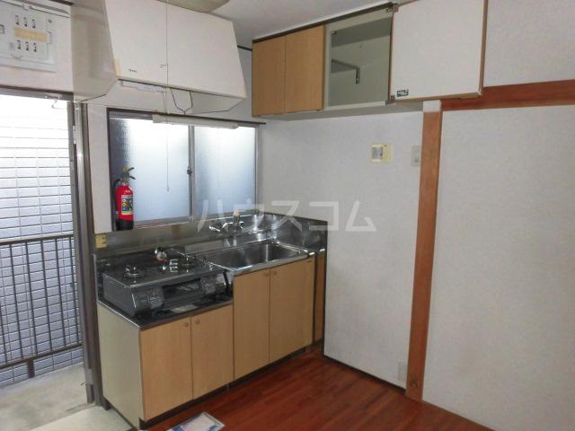 ハイム佐幸 201号室のキッチン