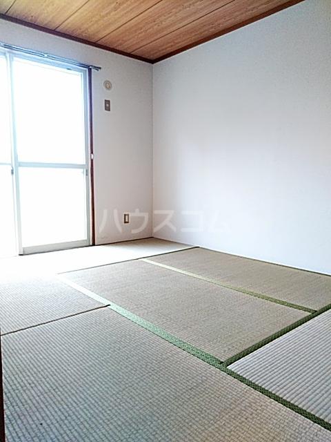 グレース 102号室の居室