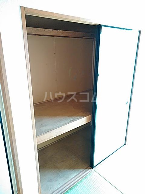 グレース 102号室の収納
