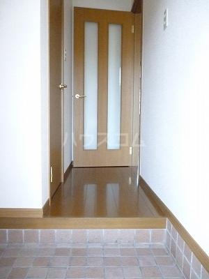 バンページュONE B 01030号室の玄関